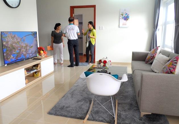 Phòng khách của căn hộ diện tích lớn nhất 83.6 m2